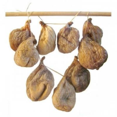 Инжир сушеный на веревочке - фото, изображение